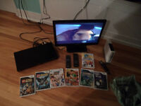 18' TV DVD PLAYER WII PLUS 7 GAMES ALL IN ONE PAC