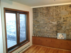 Vieux-Montreal / Old Montreal 2 chambres/2 bedrooms + BALCONY