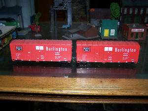 Burlington Northen Freight Cars Red with KD Couplers HO Scale