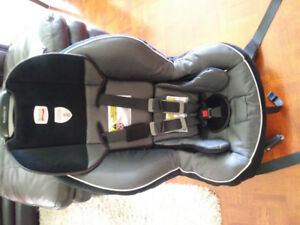 Britax child car seat in excellent condition for sale: