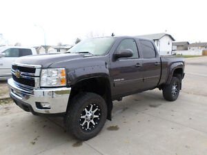 2011 Chevrolet Silverado 3500 Pickup Truck ONLY 59000km UP DATED