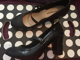 Smart business Hush Puppies shoes real leather size 7