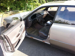 1996 Lexus ES 300 Sedan London Ontario image 7