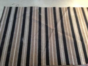 "Small area rug (carpet) 46"" x 72"""