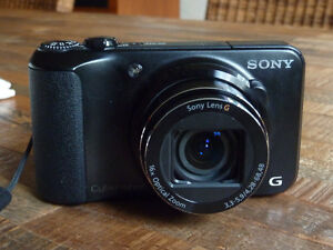 Sony DSC-H90 16.1MP Digital Camera with HD Movie + Panoramic Mod Cornwall Ontario image 1