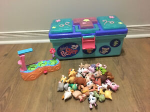 Littlest PetShop travel box and pets