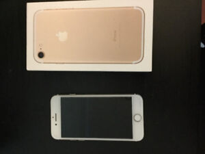 BRAND NEW I PHONE 7 GOLD FOR SALE !!  ( surrey)