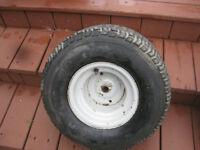 Pneu de tracteur (18 x 9.50 x 8)   20$ Aubaine !!!