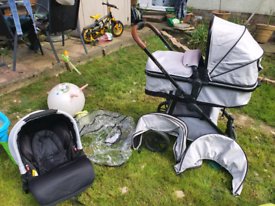 Ickle bubba moon travel system