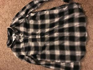 Plaid maternity shirt old navy XS brand new