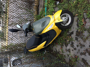 Scooter a vendre 700