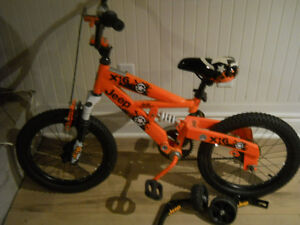 vélo pour enfant Jeep à vendre (presque neuf)