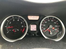 Renault Megane 1.6 Dynamique**RARE LOW MILEAGE AUTO PETROL ESTATE**56,000 MILES