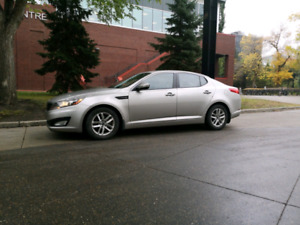Like NEW barely used low km 2011 OPTIMA