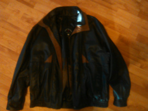 Leather jacket for sale (bomber/brown)