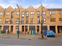 3 bedroom house in Brunswick Quay, Surrey Quays SE16