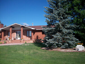 House for sale and double garage in Englehart