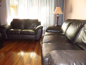 BEAUTIFUL ALL LEATHER COUCH & LOVE SEAT FOR SALE