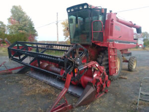 Case IH 1660 Combine With Heads