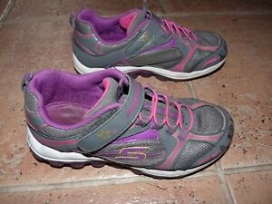 GIRLS' RUNNING SHOES / 2 Pairs available
