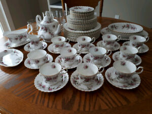 Royal Albert Lavender Rose China Set