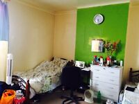 BIG DOUBLE BEDROOM TO BE RENT ��600pm