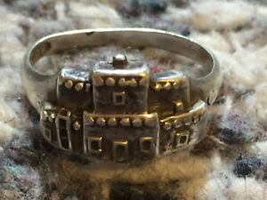 Vintage sterling Navajo ring by Sharon Cisco, silver cloud