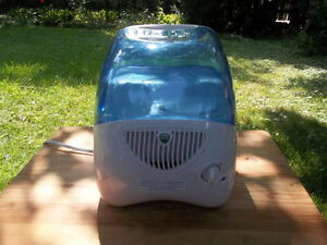 Vicks Cool Mist Humidifier, 2 Speeds, Quiet, Easy To Use,