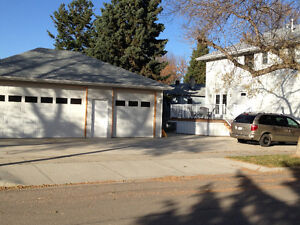 Triple detached garage for rent