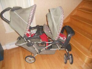 Poussette double duoglider Graco avec 2 sièges d'auto coquilles