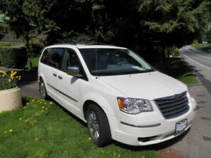 2010 Chrysler Town and Country- Fully Loaded-159 Km's-Mint Cond.