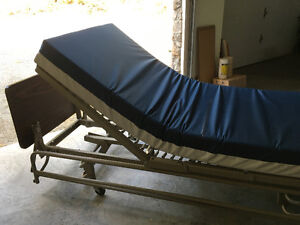 Hospital style bed - adjustable