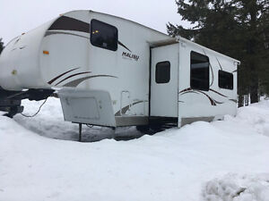 2008 28ft fifthwheel Bunks skyline malibu