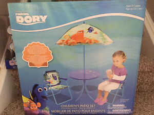 New! Disney Finding Dory 4 piece patio set
