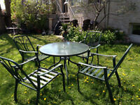 garden set round table and 4 chairs