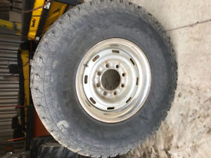General Grabber AT 2 tires 285/75/R16