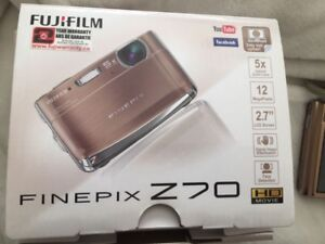 FinePix Z70 Camera Gold avec case