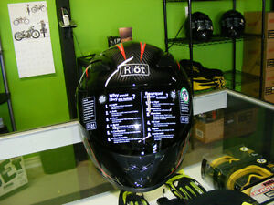 Carbon Fiber Helmet - SUPER LIGHT - NEW at RE-GEAR Kingston Kingston Area image 3