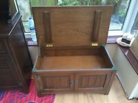 Solid wood chest cabinet