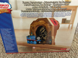 New! Thomas and friends Fossil Discovery Reduced!! Kitchener / Waterloo Kitchener Area image 2