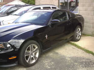 2011 Ford Mustang V6 Coupe  PREMIUM