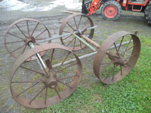 Buggy 4 roues antiques
