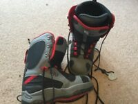 Uk size 6 snowboard boots, as new