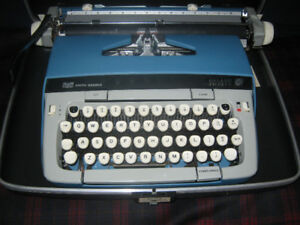 Smith-Corona Galaxie 12, mid 60s Portable Manual Typewriter