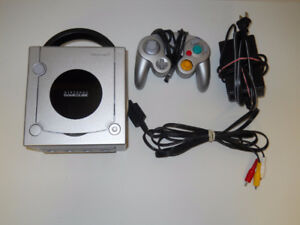 CONSOLE NINTENDO GAMECUBE + JEUX / GAME CUBE SYSTEM + GAMES