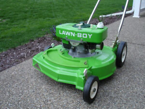 New Lawn Boy 2-Cycle Mower 1977 Bricktop