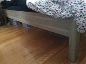 Lit queen Ikea