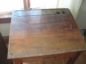 Turn of the century drawing/writing desk. Belleville Belleville Area image 2