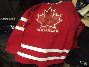 Team Canada Jersey - Luongo - Adult XXL