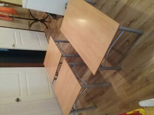 3 tables de salon dessus en bois excellente condition
